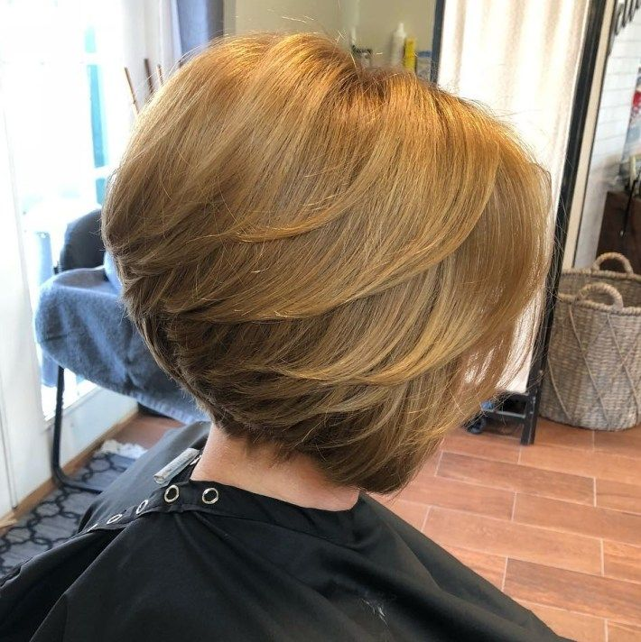 Short Stacked Bob with Feathered Layers in 2020 | Stacked ...
