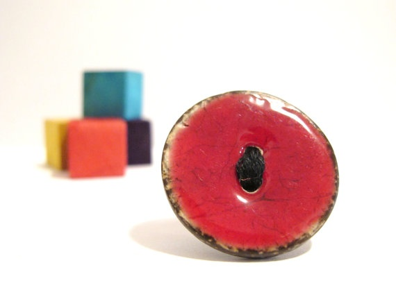 Red button ring