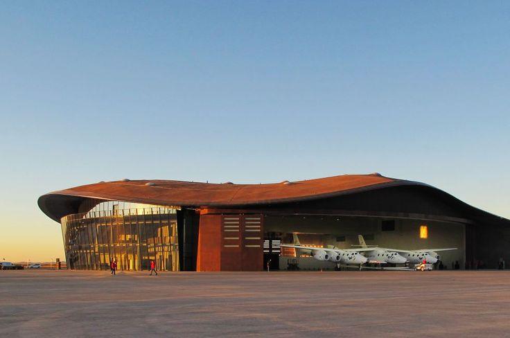 Vista desde la pista de despegue del Virgin Space Port, la aerolínea de turismo espacial de Richard Branson. El aeródromo es obra de Norman Foster en Nuevo México.