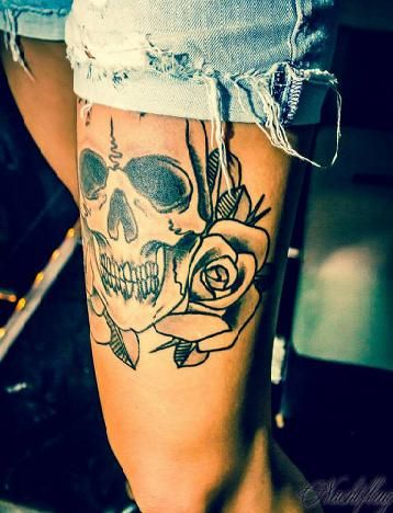 ✿★✝☮ SKULL TATTOO ✝☯★☮  I want this on the side of my leg!!