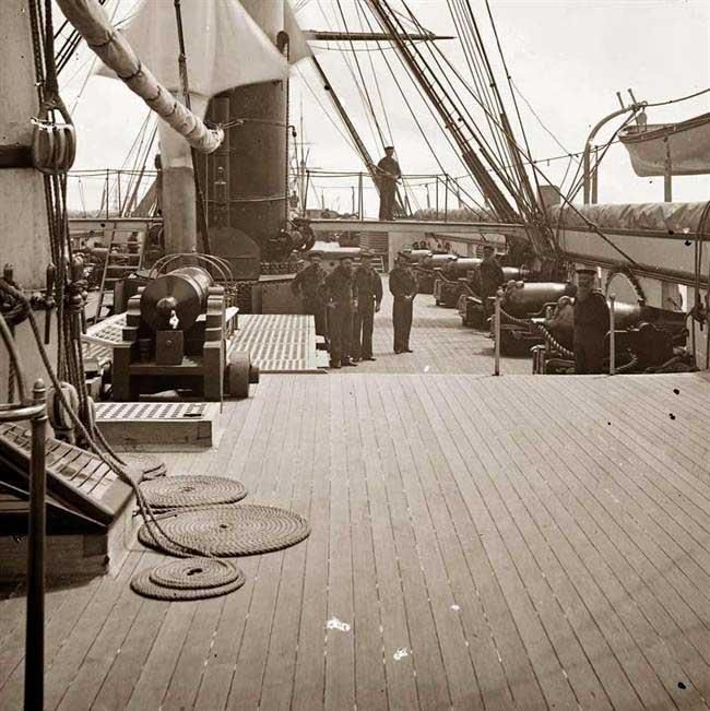 on deck, ship, sailing, vintageGoogle Image, Civil Wars, Ships Decks, B W Photos, Sailing Ships, Image Results, Beautiful Sea, Long Planks, Boats Ships