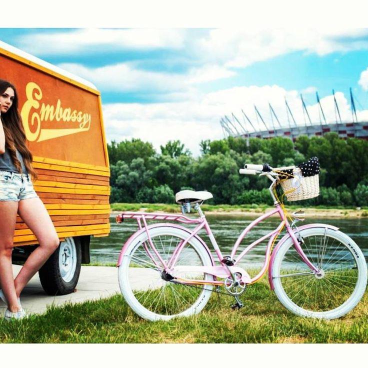 Nuestra dulce BON BON   Bicicleta disponible en la versión con los accesorios: cesta, protección para sillín y los puños   Solo en www.favoritebike.com BICICLETA RETRO BON BON http://favoritebike.com/…/biciclet…/bicicleta-retro-bon-bon/  #bycicle #beachporn #beachcruiser #cruisers #bicicletaurbana #bicicletadepaseo #bonbon #sweet #carmelos #rosa #pink #girl #beautiful #prettybike #prettygirl #blond #longleggs #model #green #healthy…