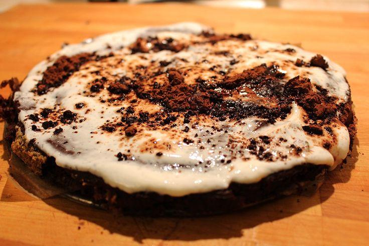 Dietetyczne ciasto czekoladowe - wilgotne, słodkie i niskokaloryczne, smakuje przepysznie i nigdy nie idzie w biodra! Wypróbuj ten przepis!