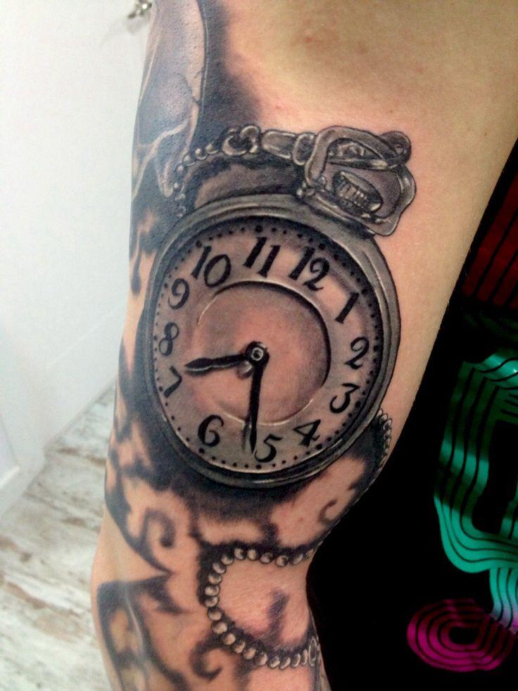 Tatuaje reloj de bolsillo en brazo tatoos pinterest for Reloj para tatuar