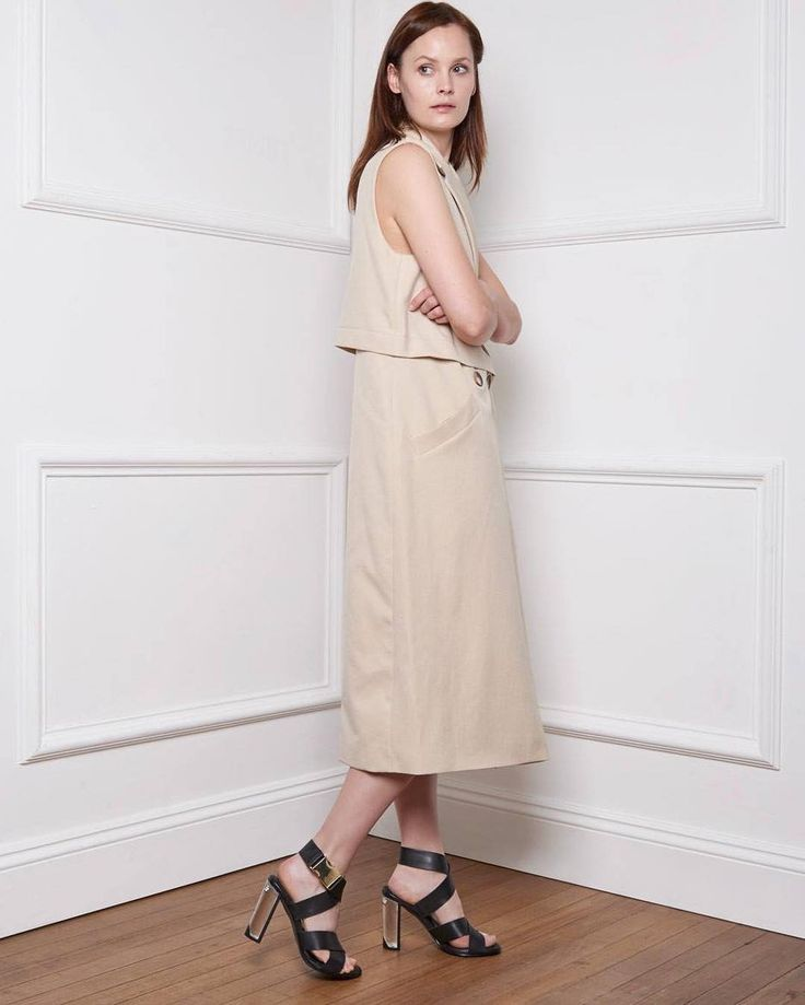 Elegant balance and style by Miista ❤️  .  .  #surroundyourselfwithbeauty #loveshoes #fashion #summer16  #shoeaddict #shoelover #shoeoftheday