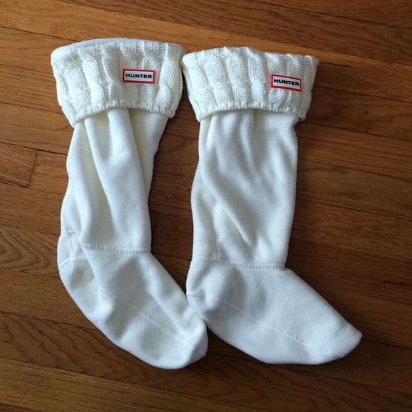 White Hunter Boot sock insoles White hunter boot socks for tall hunter rain boots. Size large (fits shoe size 8-10) Hunter Boots Other