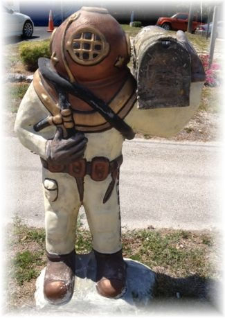 25 best mailboxes of the florida keys images on pinterest for Funny mailboxes for sale