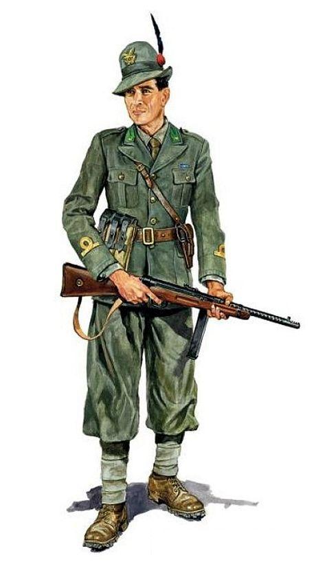 Italian Alpini training officer with a submachine gun Beretta M.30