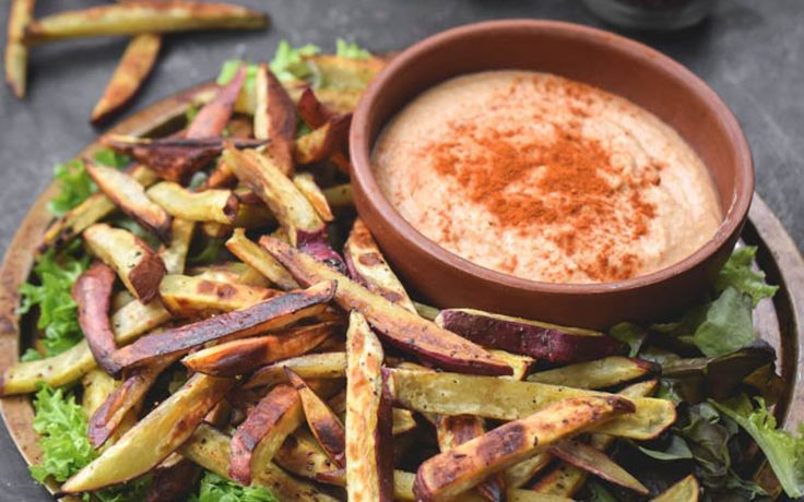 Baked Yam Fries With Sriracha Hummus [Vegan, Gluten-Free] | One Green Planet