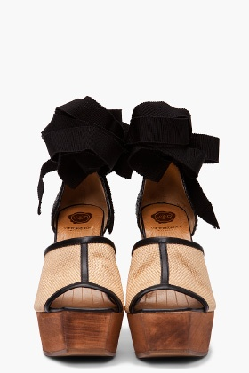 yes please: Style Fashionista, Fashion Fave, Heels Sandals, Fashion Passion, Favorite Shoes, Shoes Fit, Rolf Ribbons, Ribbons Ties, Shoes Sandals