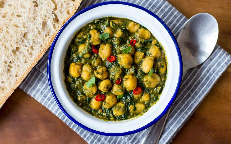 Andalusian-Style Chickpeas and Spinach [Vegan]