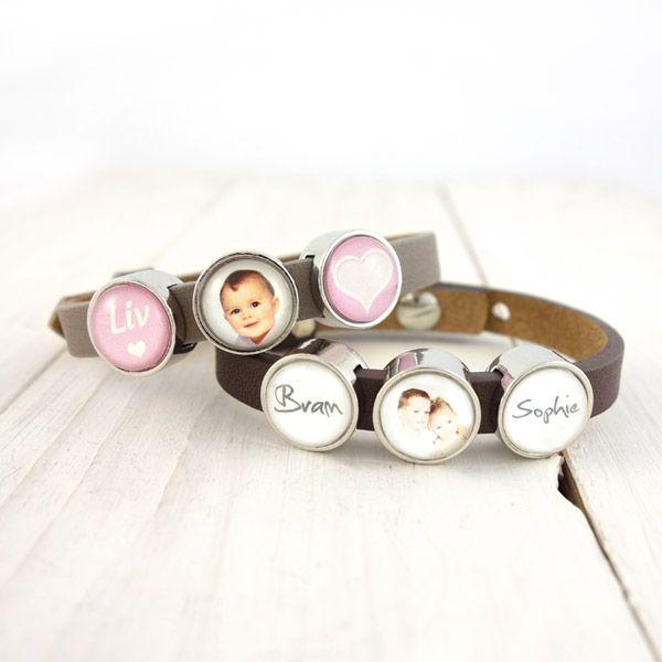 Smalle armband met naam en fotoschuivers roze