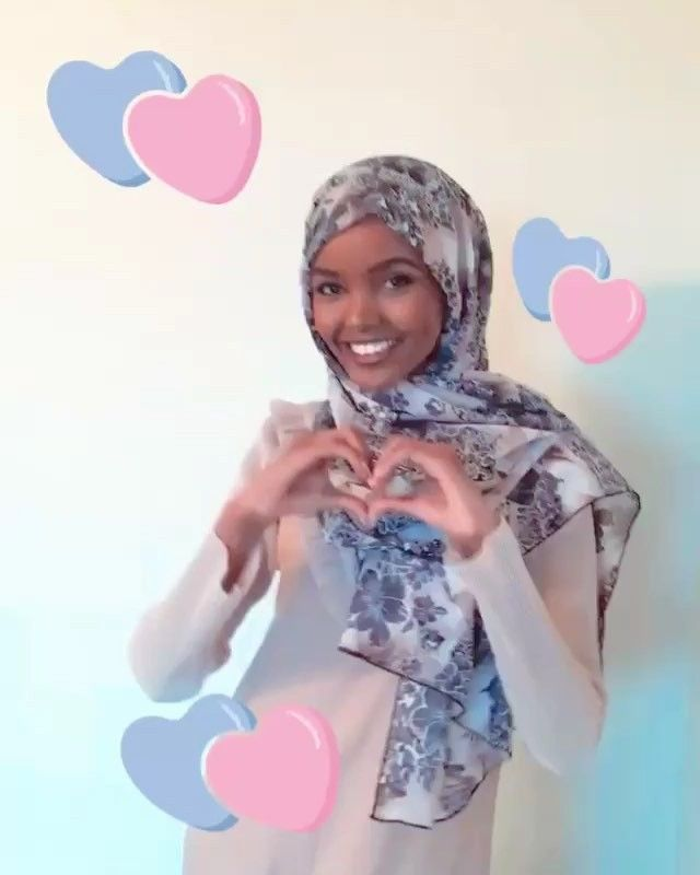 #AmberNausheen #Boomerang by @kinglimaa As the first high-fashion model to wear a hijab on runways around the world 20-year-old Somali-American Halima Aden (@kinglimaa) recognizes the importance of embracing differences. My childhood taught me to dream beyond borders says Halima who was born in a refugee camp in Kenya and grew up in St. Cloud Minnesota. When we are stripped of everything we find that we are all the same. Halimas choice to wear her hijab has made fashion headlines  and she…