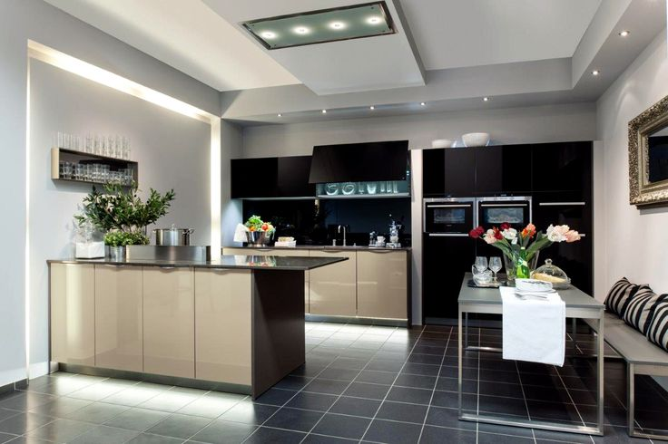 Sleek kitchen design. Credit: Niemann Mobelteile.