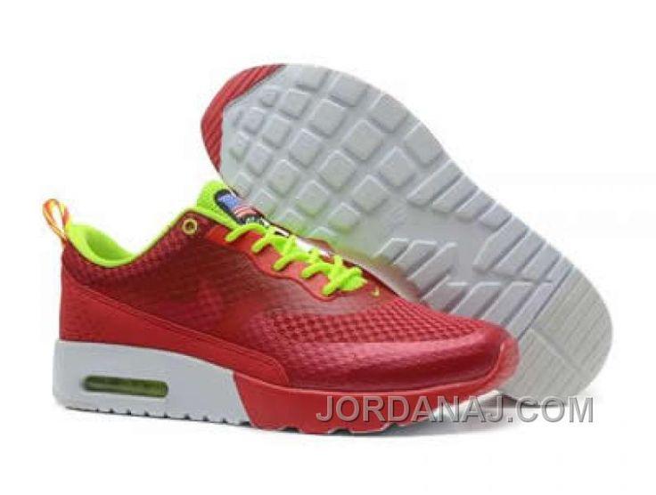 Nike Air Max Tavas: want these Burgundy