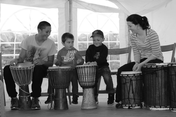 Drumming workshop for the kids during the preparation day for the wedding, keeping them all out of trouble. Awesome idea.