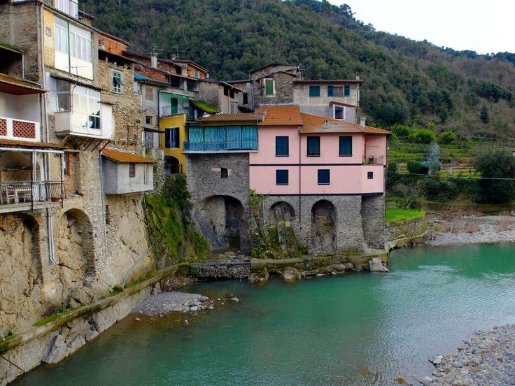 Among the outdoor sport is very practiced canyoning in the village of Rocchetta Nervina , which is located about one kilometer from Dolceacqua , one of the most beautiful villages of Liguria .