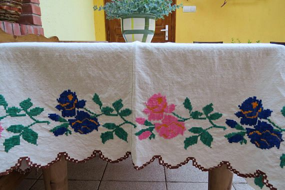 268. Vintage hand embroidered natural linen hungarian