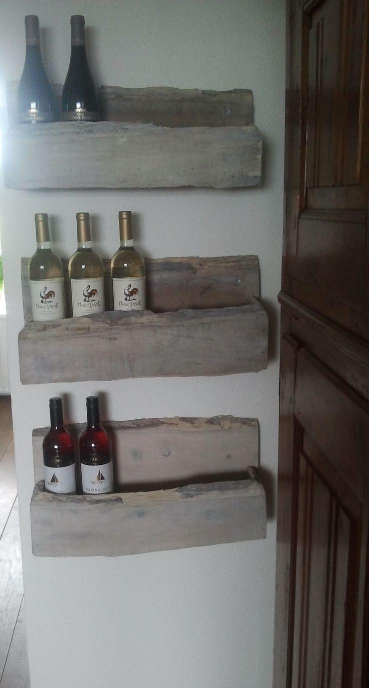 Houten wijnrekken in white wash