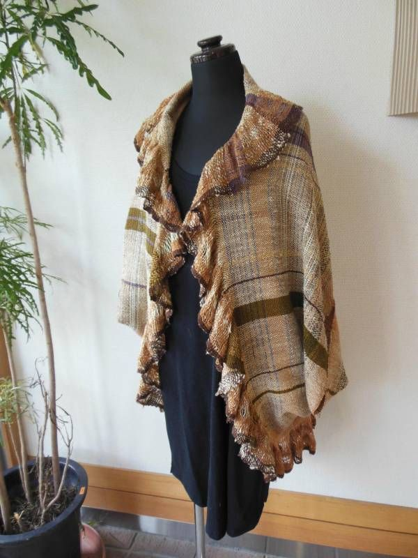 Beautiful Saori jacket with ruffle -- in Japanese but also image of back