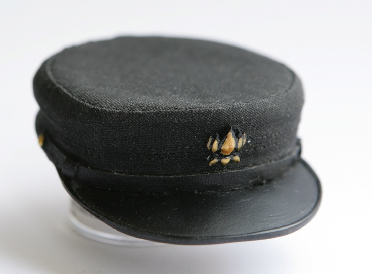 TheBreadsmasher: Coralines Military Hat Full Size Prop