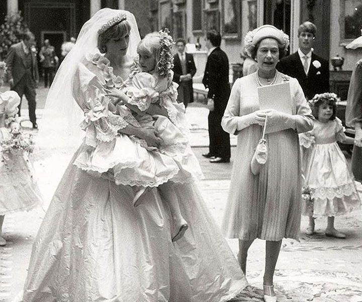 Never Before Seen Photos Of Princess Diana On Her Wedding Day