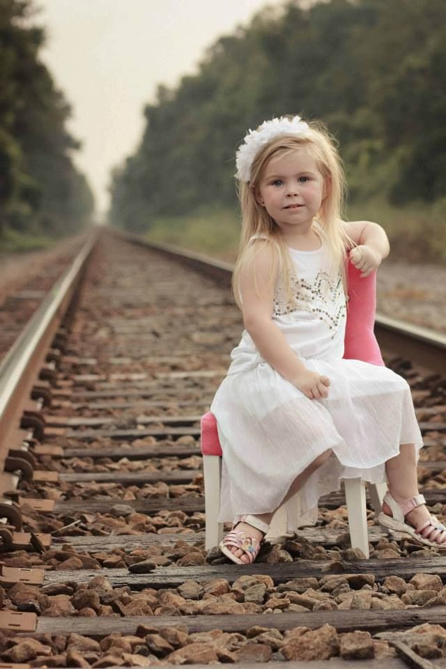 Toddler photography like use of train tracks | Photography ...