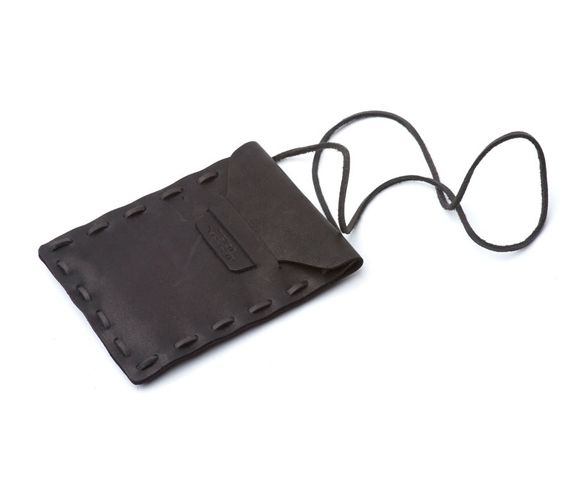 SAINT VACANT - Neck wallet in black leather. Made in Portugal.