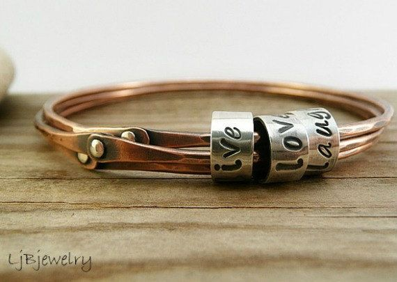 Copper Bangle, Empilhar Bangle, Cold Conectado Bangle, Triple Bangle, cobre, prata esterlina, bracelete personalizado, Mixed metal Bangle |  Veja mais sobre cobre, metais mistos e prata esterlina.