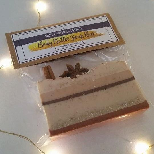 Maple cinnamon and oatmeal melt and pour soap, handcrafted. This body butter soap bar smells absolutely AMAZING and will leave you soft and sweet!