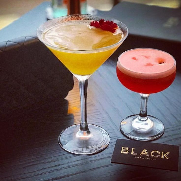 It's time for cocktails at the bar @blackbargrill great 📷 🙏 @thephamette