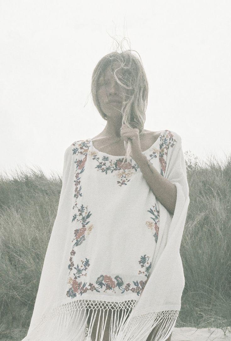 Light white dress + bathing suit  Mes Desmoiselles - Margaux Lonnberg