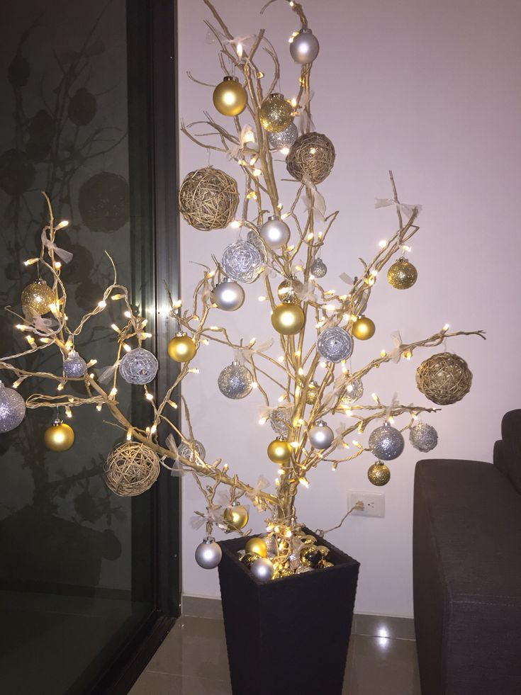 Árbol con ramas Navidad