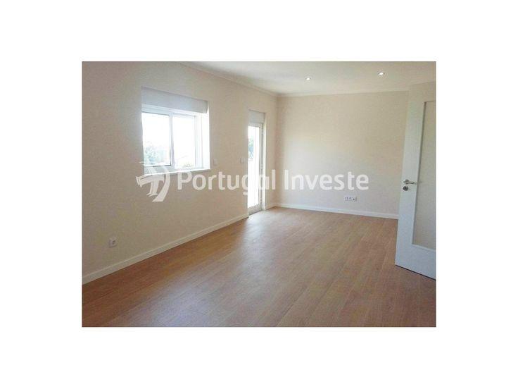 Vende apartamento T3, totalmente remodelado, em Cascais - Portugal Investe