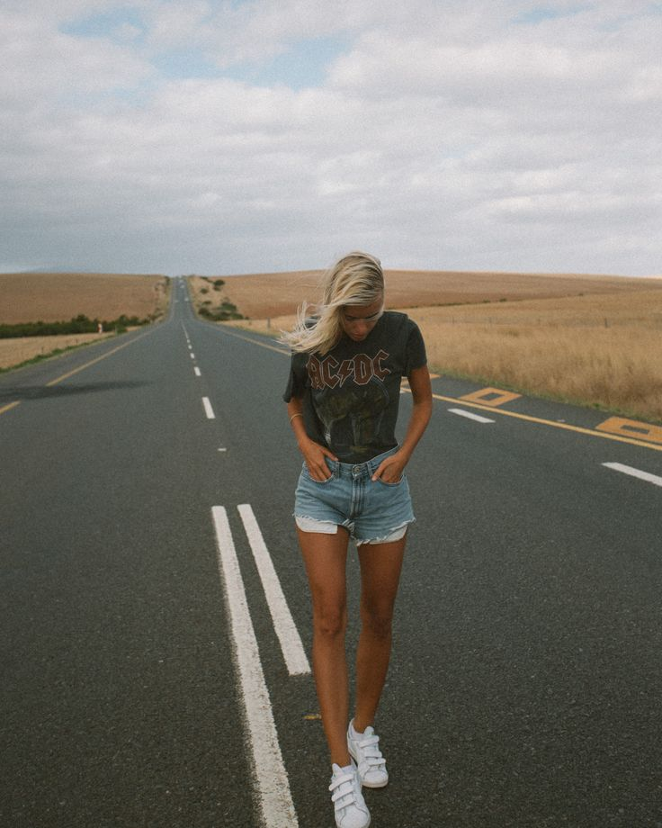 Outfit: ACDC T-Shirt & Vintage Levis Shorts