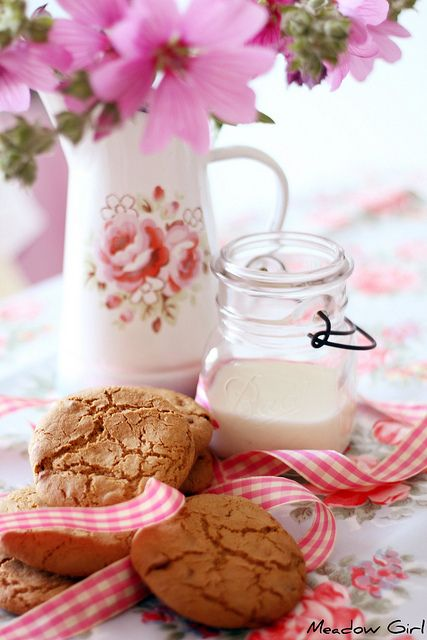 cookies and milk--adorable vintage teapots and saucers for tablescapes!