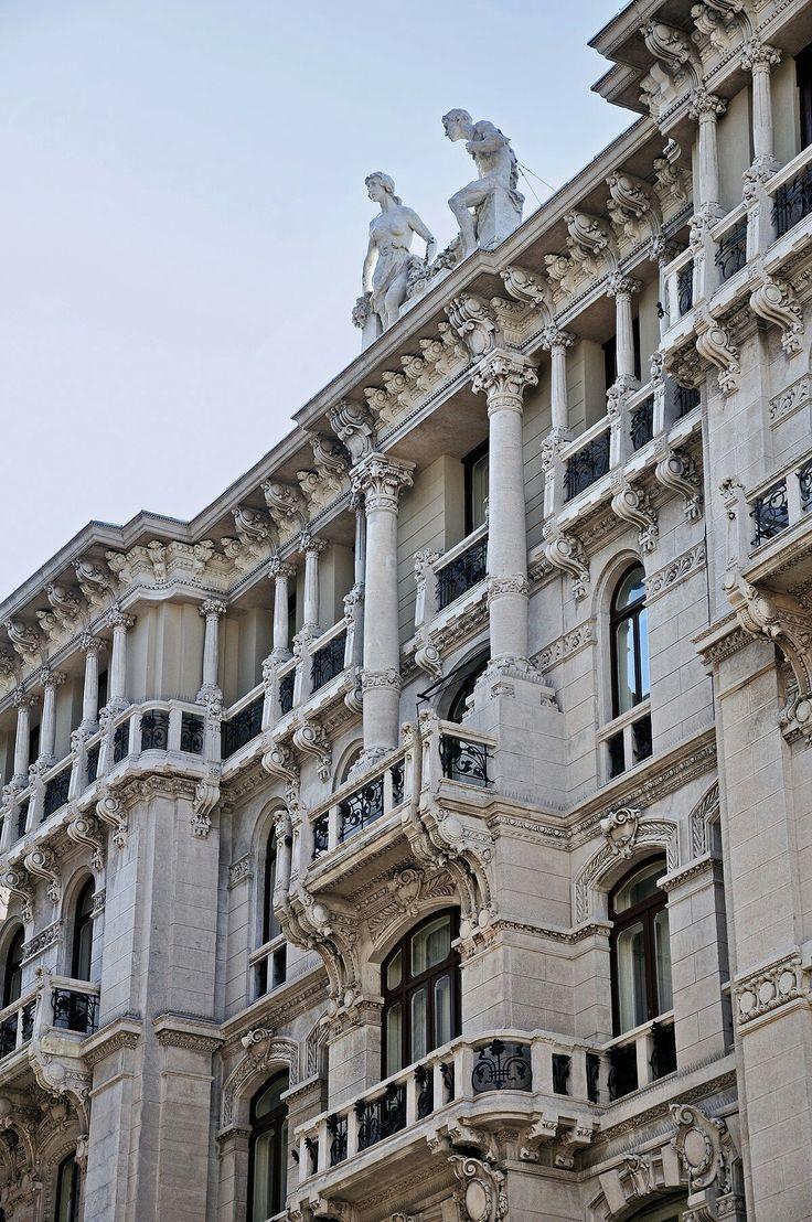 Palazzo liberty Terni Dei Rossi a Trieste