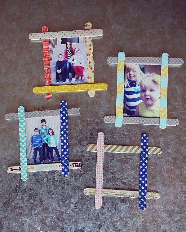 #DIY : Un petit cadeau à offrir ? Faites avec vos enfants de petits cadres photos avec des bâtons d'esquimaux ! #kiri #cute #enfant #cadeau #craft
