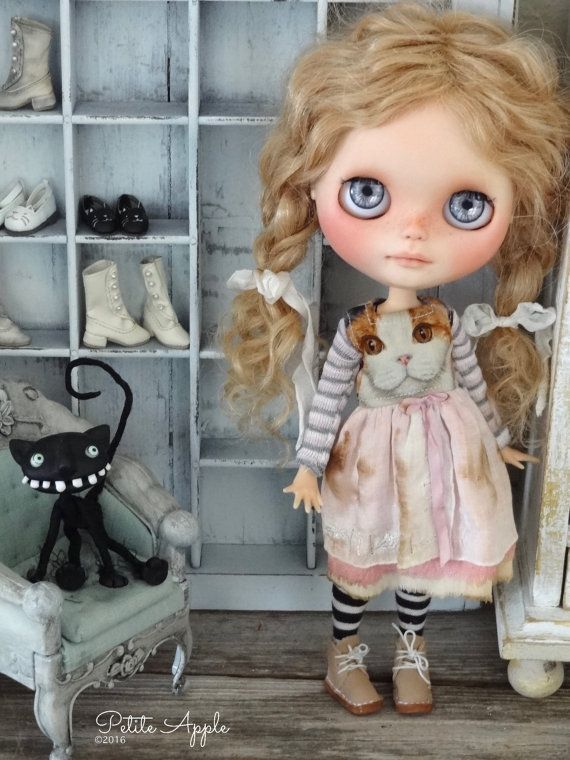 Blythe doll outfit Bella vintage style dress by PetiteAppleShop