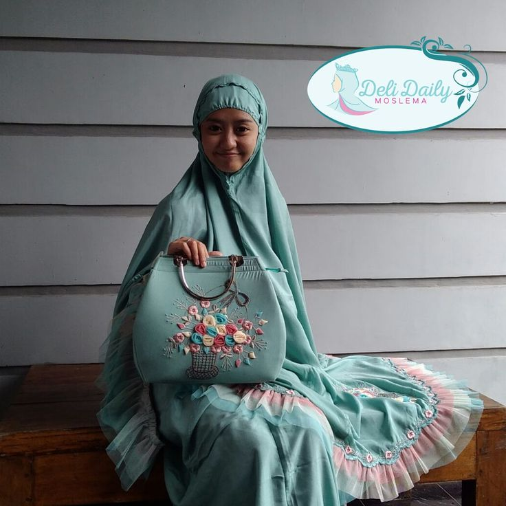 Mukenah By Ella Bordir-Bangil  READY Mukenah Buket (Mint)  Feel free to contact us for info or order.  WA: 082245722175 BBM: 5D0A6CB2 Line: delidailymoslema Free Ongkir (Maks. 30k)
