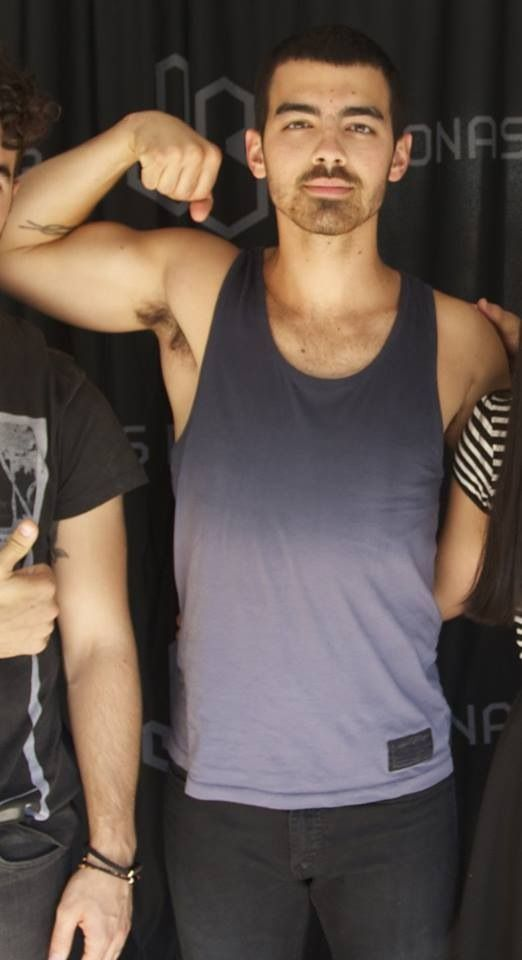 Joe Jonas Biceps