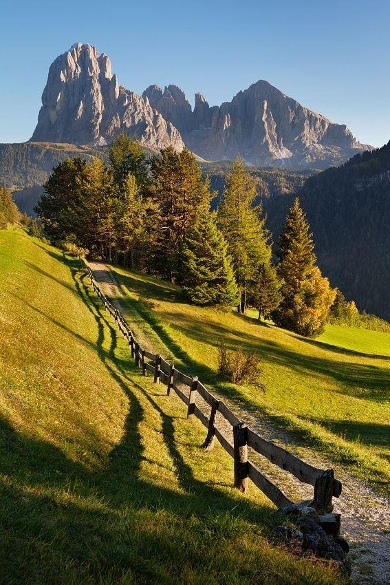 Picturesque mountains - Photos from autumn Dolomites
