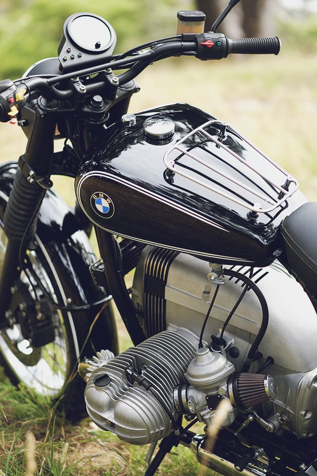 """It's hard to say what style the bike is. Maybe a reverse restomod?"" It's a seemingly innocuous statement, but New Zealand's Mike Dobson and his Two Cats Garage instantly had us hooked. Most of us will know what a restomod is, but a reverse restomod? Well, it's taking a modern bike with all the bells and whistles..., http://www.pipeburn.com/home/2018/03/07/bmw-r100r-scrambler-restomod.html"