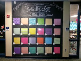 Love this hallway bulletin board for displaying student work!