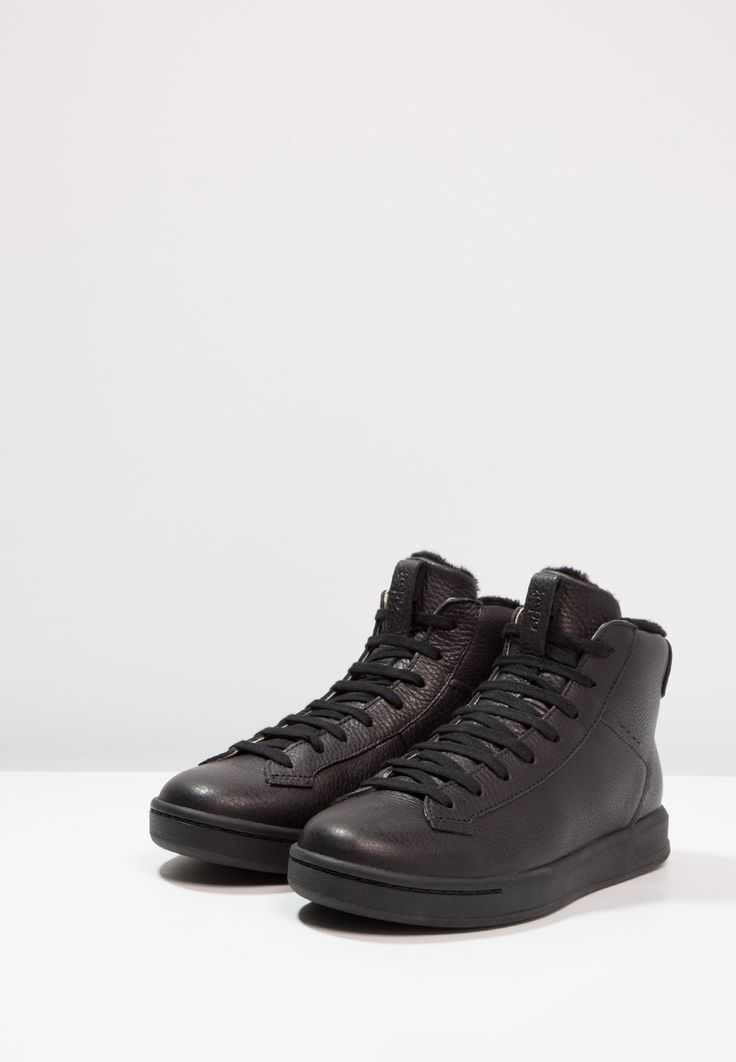 https://www.zalando.es/ohw-zapatillas-altas-black-wh311s000-q11.html?zoom=true