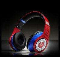 """From: http://www.beatsnd.com/beats-by-dr-dre-spider-man-with-diamond-limited-headphones-25495 *#Headphone Type: portable headset * monster #beats pro High Definition Powered Isolation Headphones * #Monster Cable headphone cable (1.3 meters) * 1/8 to 1/4"""" adapter * Monster iSoniTalk cable for iPhone, Blackberry and other music phones * Touring case * Frequency response :20-20KHz * Sensitivity: 115dB * Monster Clean Cloth with advanced Aegis Microbe Shield technology"""