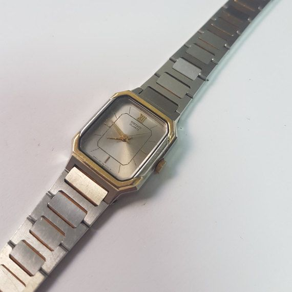 Retro Seiko Dress Watch Writing on the back : Seiko , Water Resistant , ST. Steel + SGP Bezel , 2N0578 , 1221-5060 AO , JAPAN - M This is a superb vintage Seiko model. This can be handed out as gift , just as it is. No need for maintainance or service. Put a new battery and it is good to go ! Swatch Collection : https://www.etsy.com/shop/InstaAntiques?ref=l2-shopheader-name&section_id=20319988 All watches exposed are part of a big collection. I will keep ...
