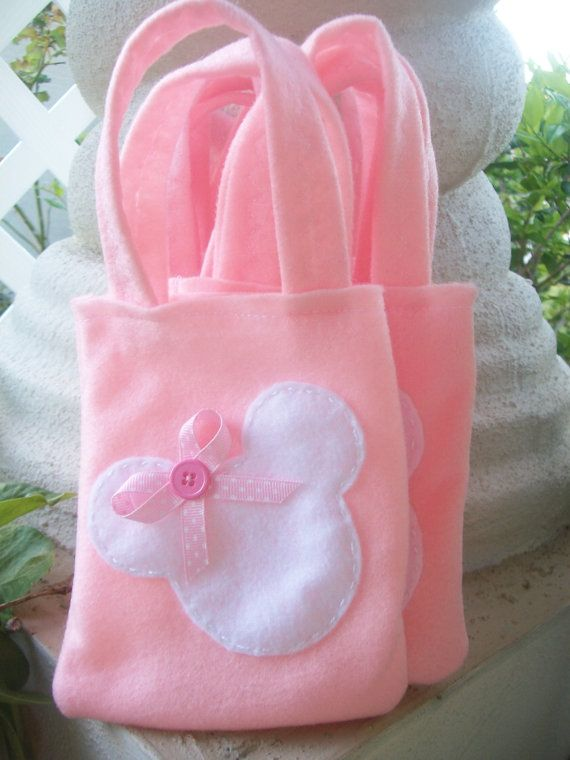 Minnie Mouse Party Set of 4 Party bags. $12.00, via Etsy.