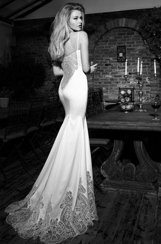 9 Sexy Backless Wedding Dresses and Gowns for 2013   Confetti Daydreams