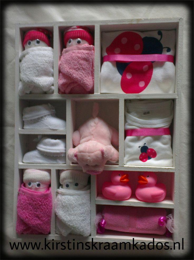 Letterbak roze kraamkado's/Type Case Pink Baby Gifts